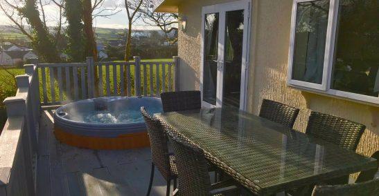 Kingfisher Lodge Hot Tub